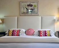 Top Room 10 - GINNEGAAP GUEST HOUSE
